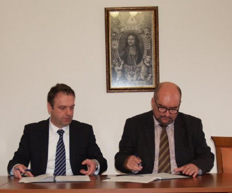 Угорщина профінансує ремонт 16 закладів Закарпатської області