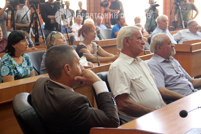 Влада vs Громада: В Ужгороді вкотре обговорили капітальний ремонт набережної Незалежності