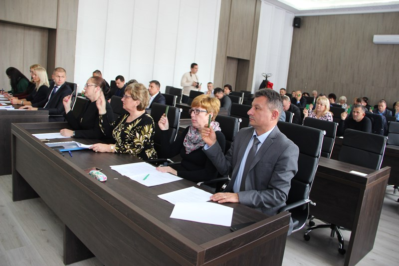 Будівництво дороги та фінансування медичної сфери – головні рішення сесії Ужгородської райради. Фото, Відео